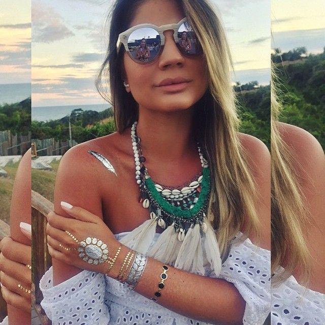 """A Top @thassianaves Usando P A L O N E D E S I G N, muita honra pra nossa marca. Absolutamente impecável, em seu Estilo único de Ser!!!#ColaresdePenaBuzios #Coleçao dos """"MILAGRES"""" eu imensamente Feliz"""