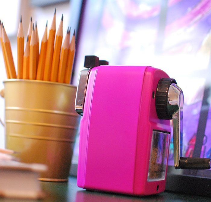 This beauty has survived an entire year and is still going strong. And it makes THE BEST sharpened pencils ever. You see these tips…? That's what we want my friends! Sharpened pencils… happy kids, and happy mama's.
