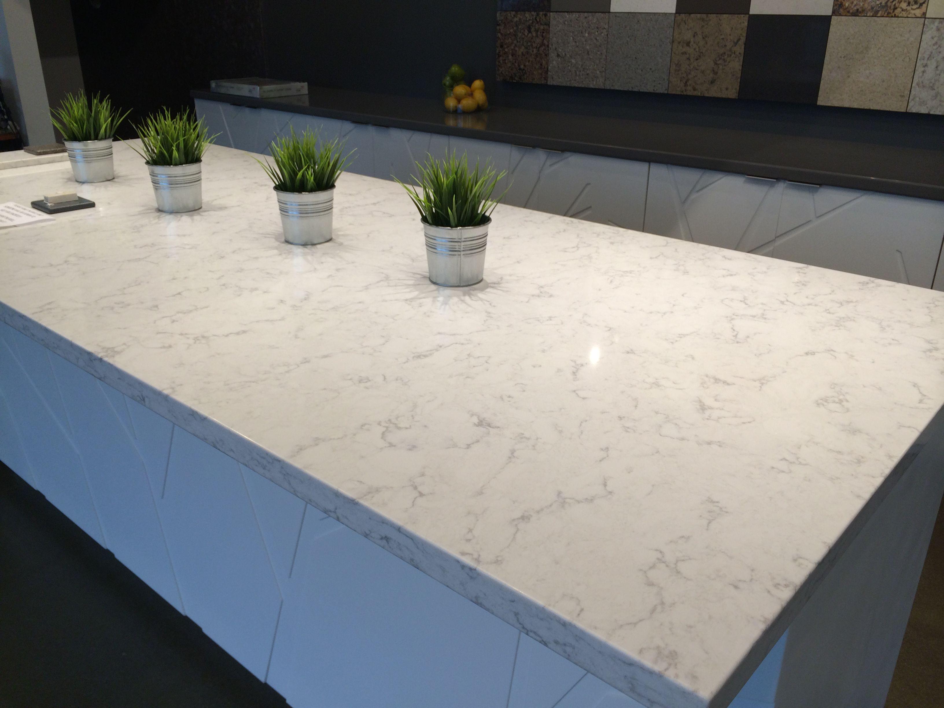 Viatera Quartz Minuet Bathroom Countertops Diy Quartz Kitchen