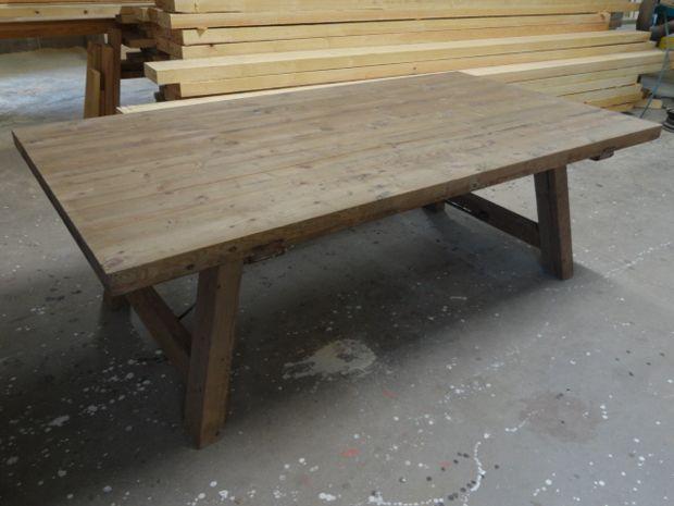 Mesa de comedor plegable mediante bisagras fabricada en - Mesas de campo ...
