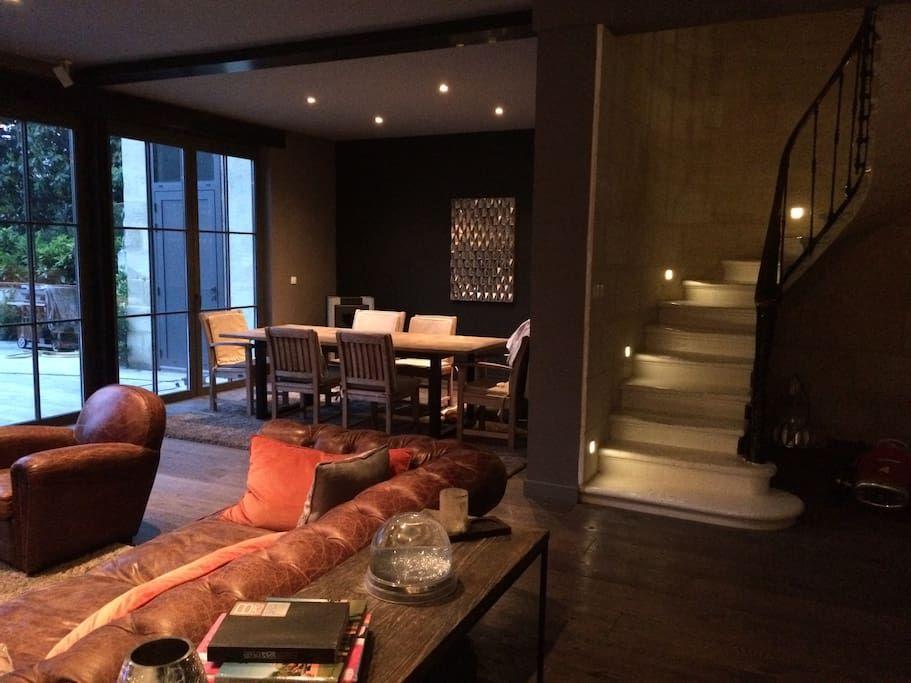 Sjekk ut dette utrolige stedet på Airbnb: Maison en pierre Àvec piscine - Hus til leie i Bordeaux