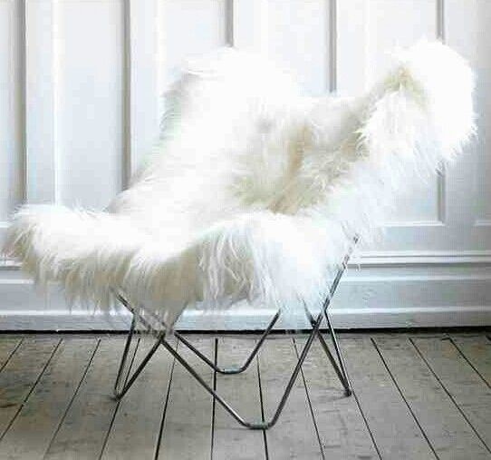 White fuzzy butterfly chair V(  ) | Mod wishes ...