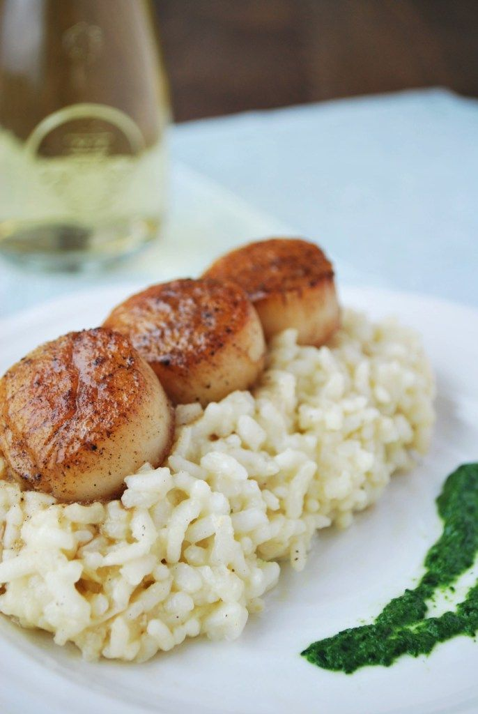 These top tips will help you achieve creamy risotto perfection every time. Try them out on this wonderful sherry risotto with caramelized scallops and a brown butter and sherry sauce! | emnzest.com