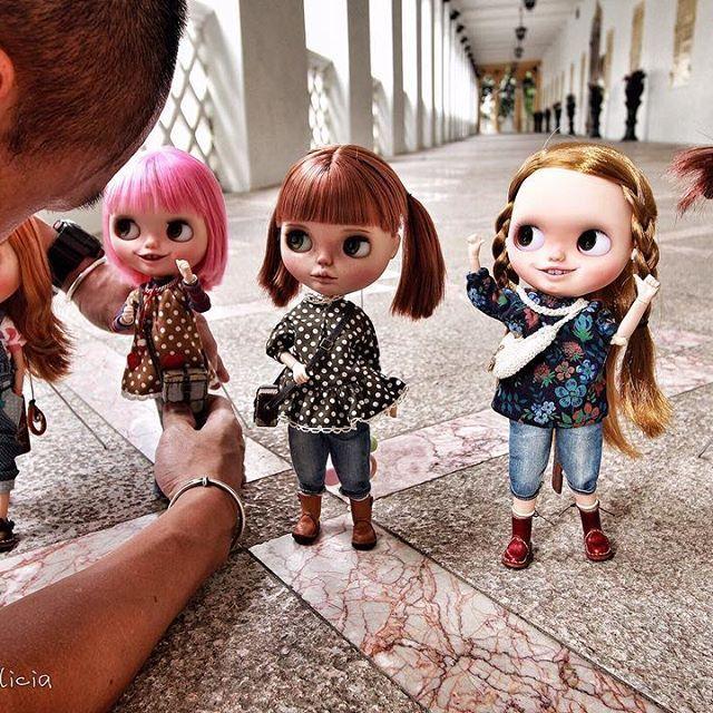 Behind the scenes  Can't take my eyes off you, ✨Uncle Jan✨--- See the girls' eyes。。。Haha!!! @oldmaster_jan @sisi_blythe @banochita @jg_blythecustom