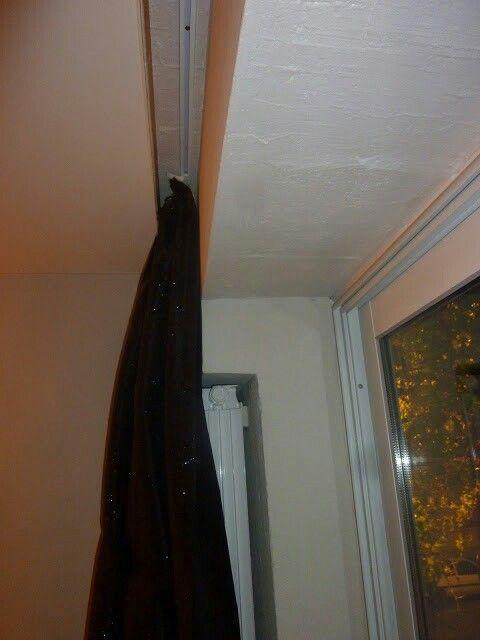 Salon prévoir emplacement tringle rideaux dans faux plafond ...