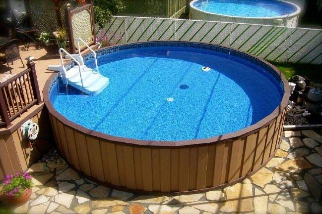 Small yard above ground pool designs small backyard with for Above ground pool decks for small yards