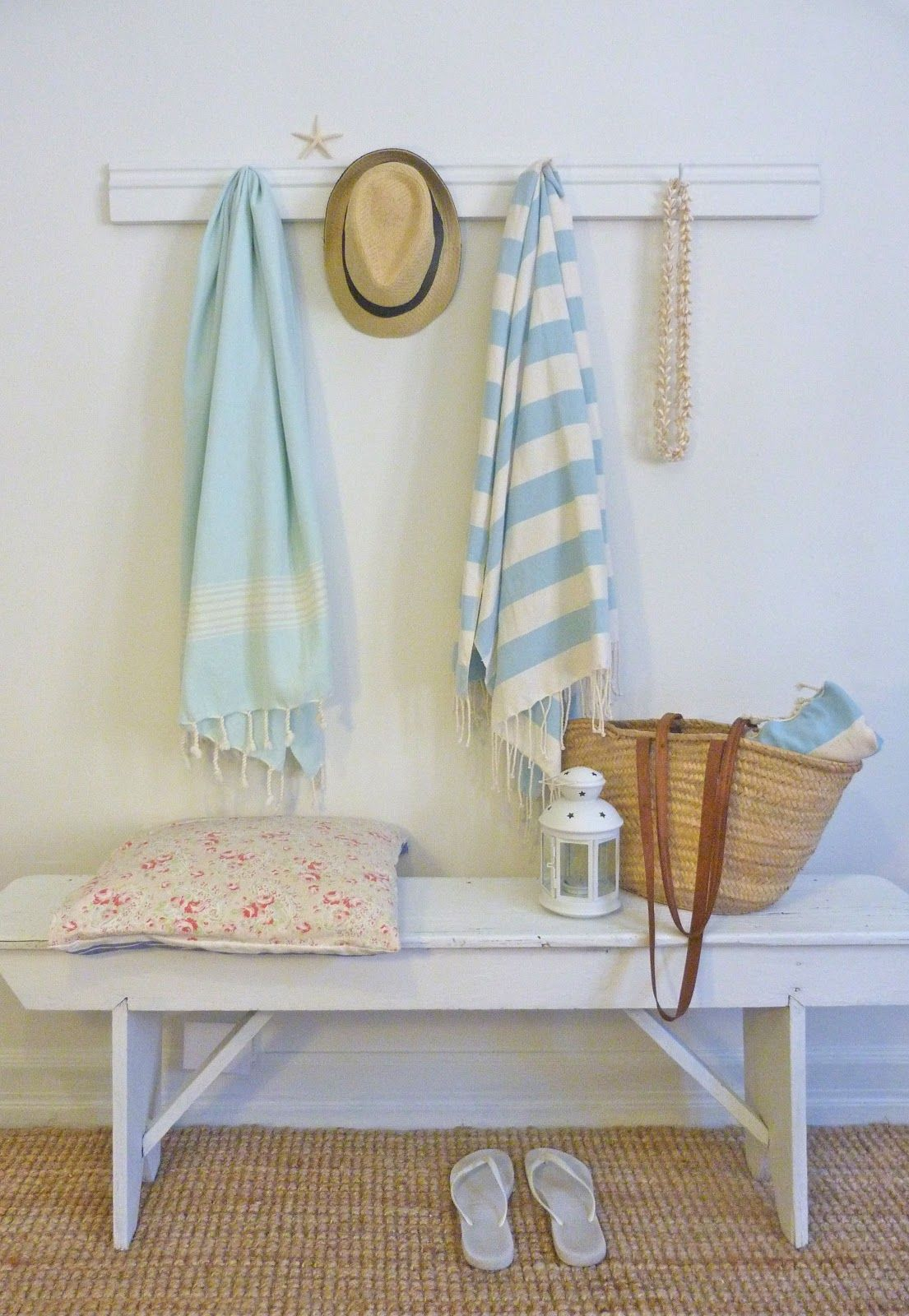 Beachcomber Beach House Upcycled Towel Rack Diy
