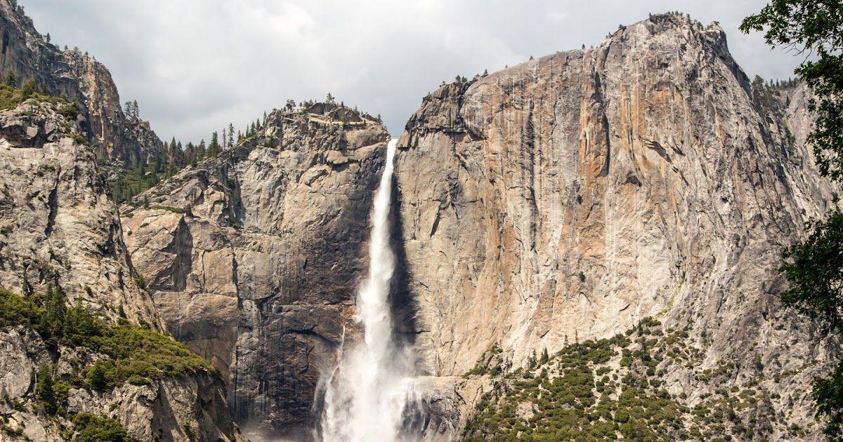 24 Gambar Pemandangan Gunung Air Terjun Gambar Pemandangan Alam Batu Air Terjun Gurun Gunung Download Air Terjun Gunung Pema Di 2020 Pemandangan Air Terjun Gambar