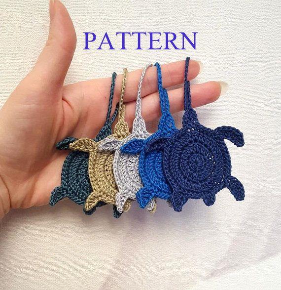 Crochet turtle charm pattern, sea turtle crochet applique pattern, turtle tag DIY ornament, beach theme instant download pdf pattern #crochetturtles