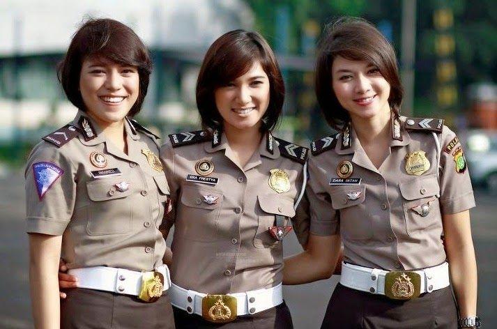 Update Informasi Terbaru Syarat Tinggi Dan Berat Badan Menjadi Polisi Polwan Atau Polisi Militer Menurut Kesehatan Oleh Seragam Pria Pejuang Wanita Militer