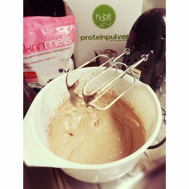 Fluff med habit proteinpulver! Fikk testa dette pulveret også i kaffesmak og den var minst like god som sjokolade  #proteinfluff #treningsshop #habitnorway #ironmannorgeabo