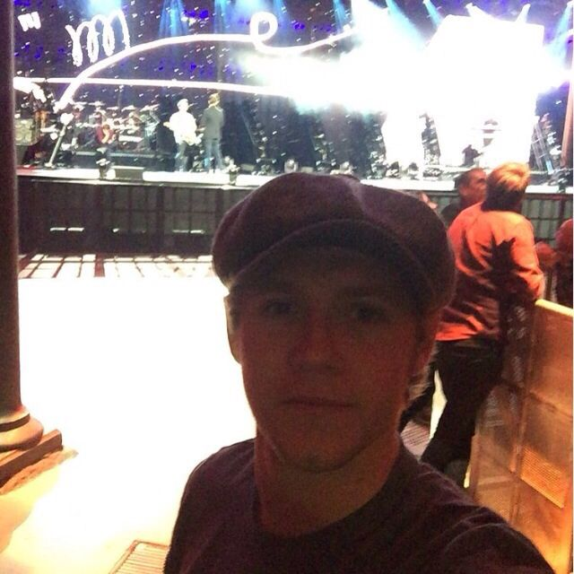 Niall posted on 1D's IG!