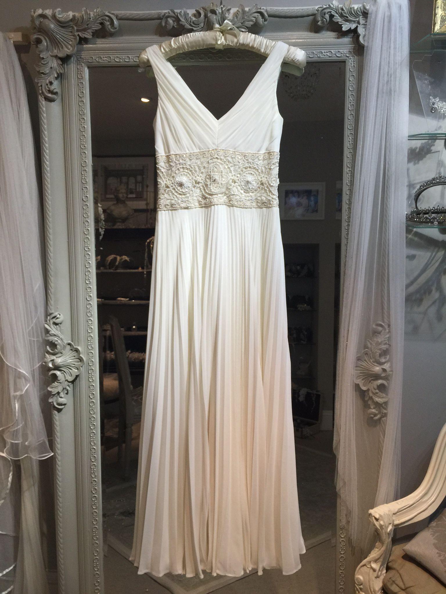 Johanna Hehir \'Stella\' £995 #johannahehir #prelovedweddingdress ...