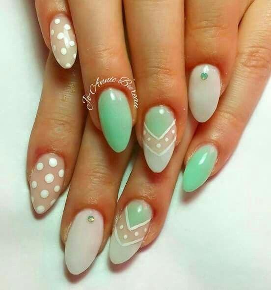 Einen schönen Tag mit M&M nail Team #nageldesignerin #