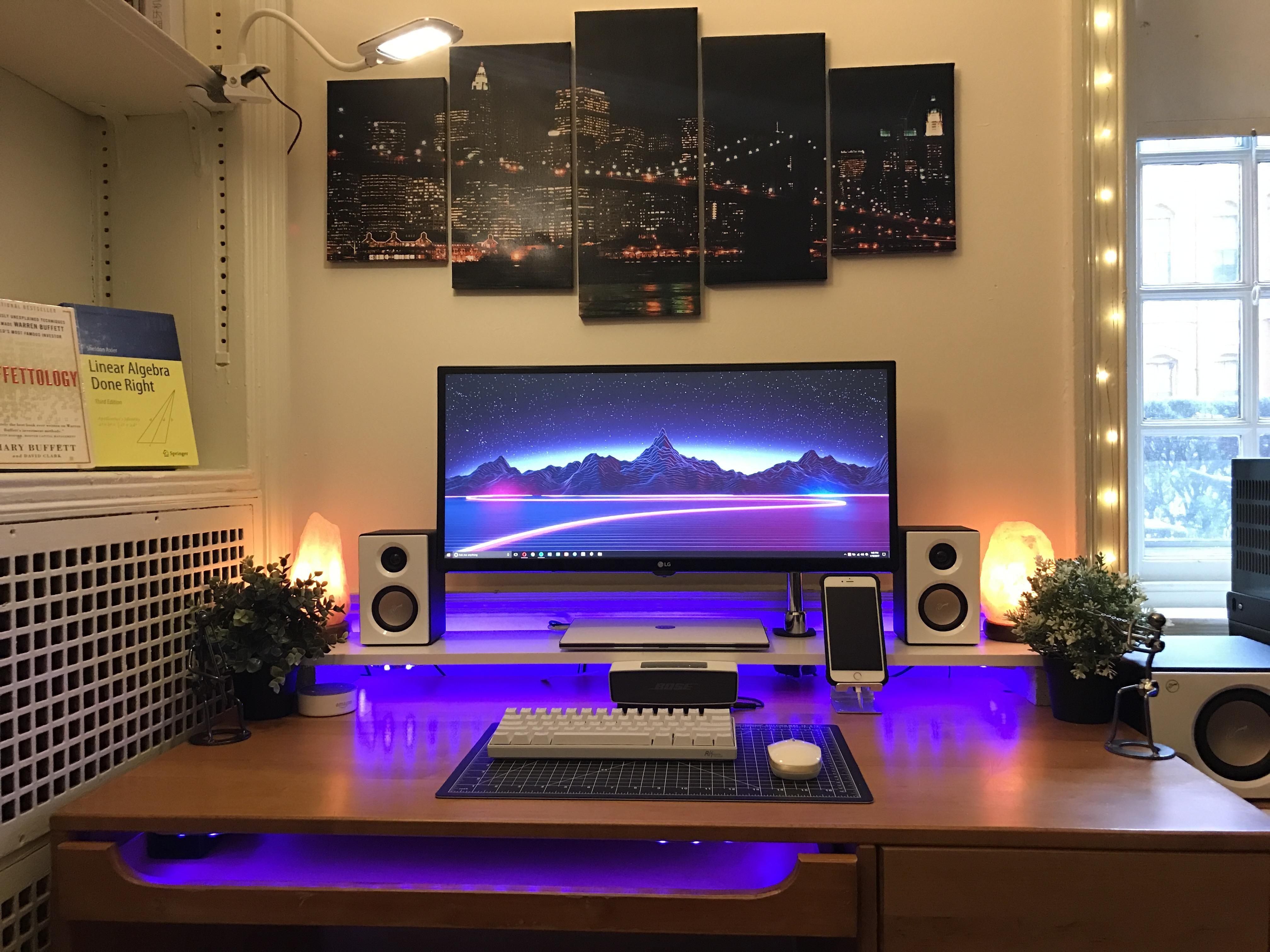 A Regal College Dorm Setup Gaming Room Setup Computer Setup