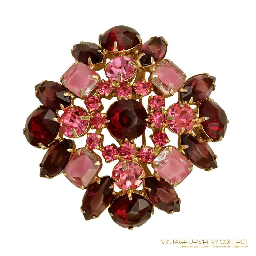 Juliana (Delizza & Elster) Brooch Set Siam Red and Pink by VintageJewelryCo on Etsy https://www.etsy.com/listing/262399749/juliana-delizza-elster-brooch-set-siam
