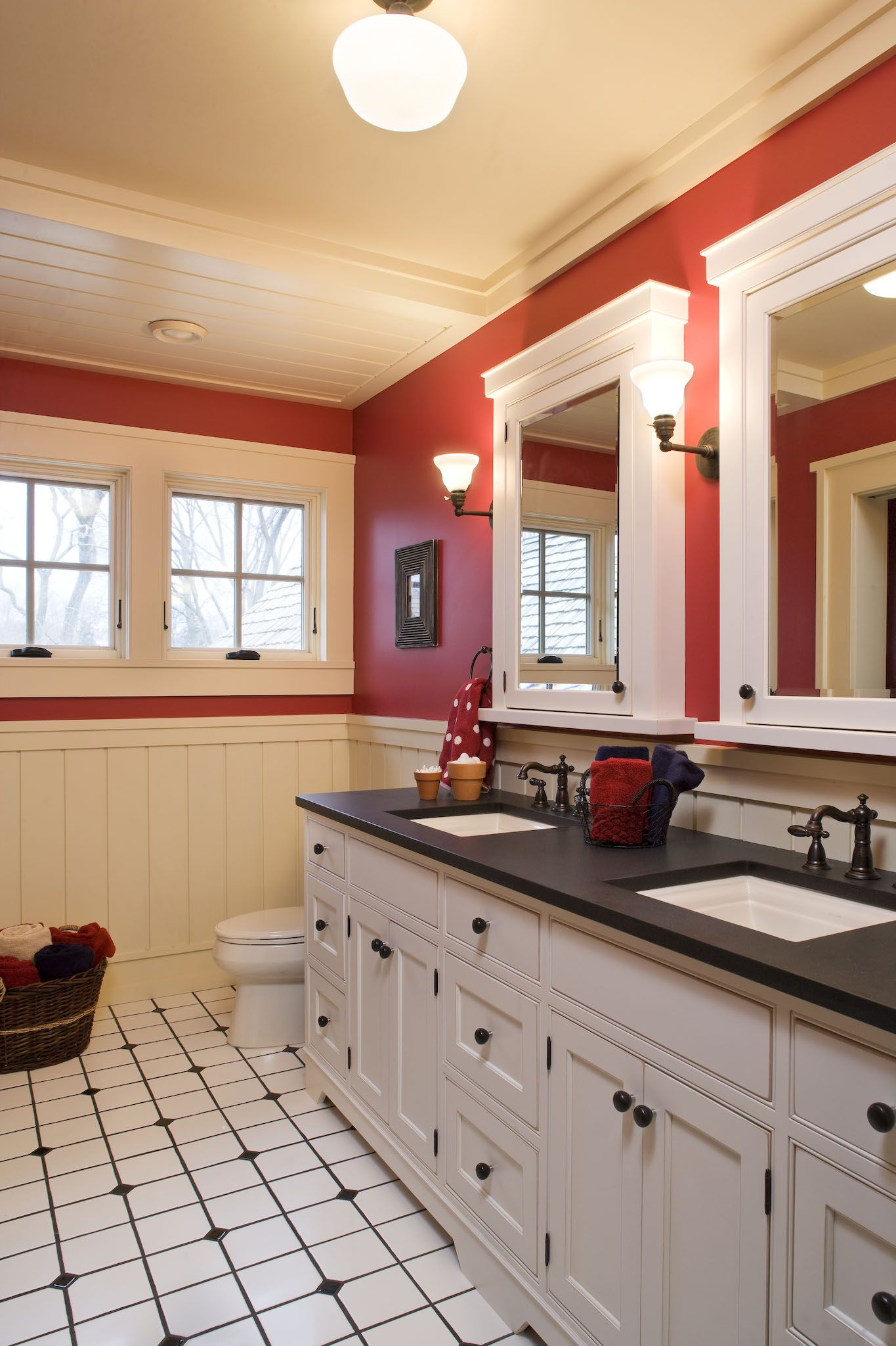 red, black, and white bathroom | Red bedroom decor ...
