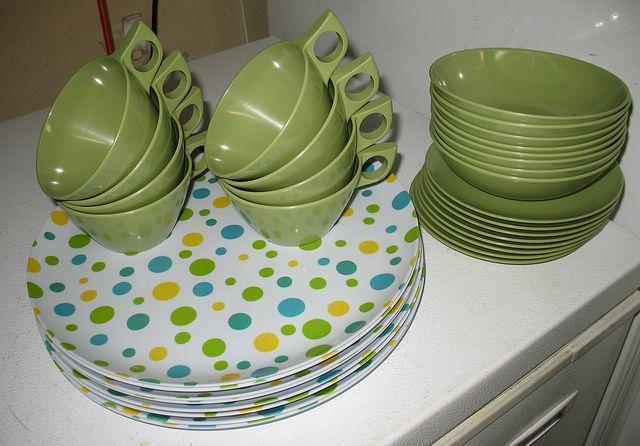 Avocado Green Vintage Melamine Love Those Spotty Plates