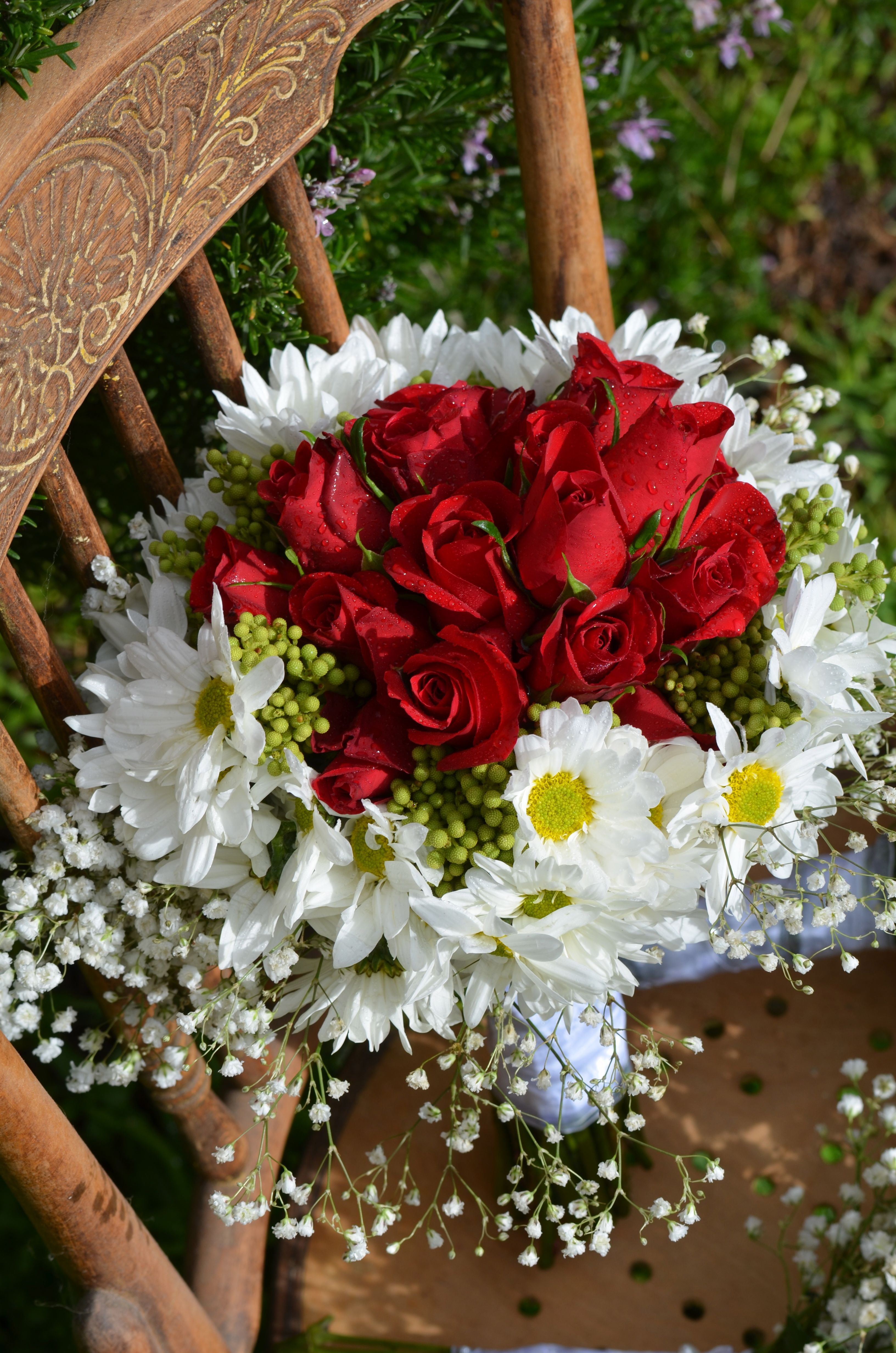 11+ Red rose bridesmaid bouquet info