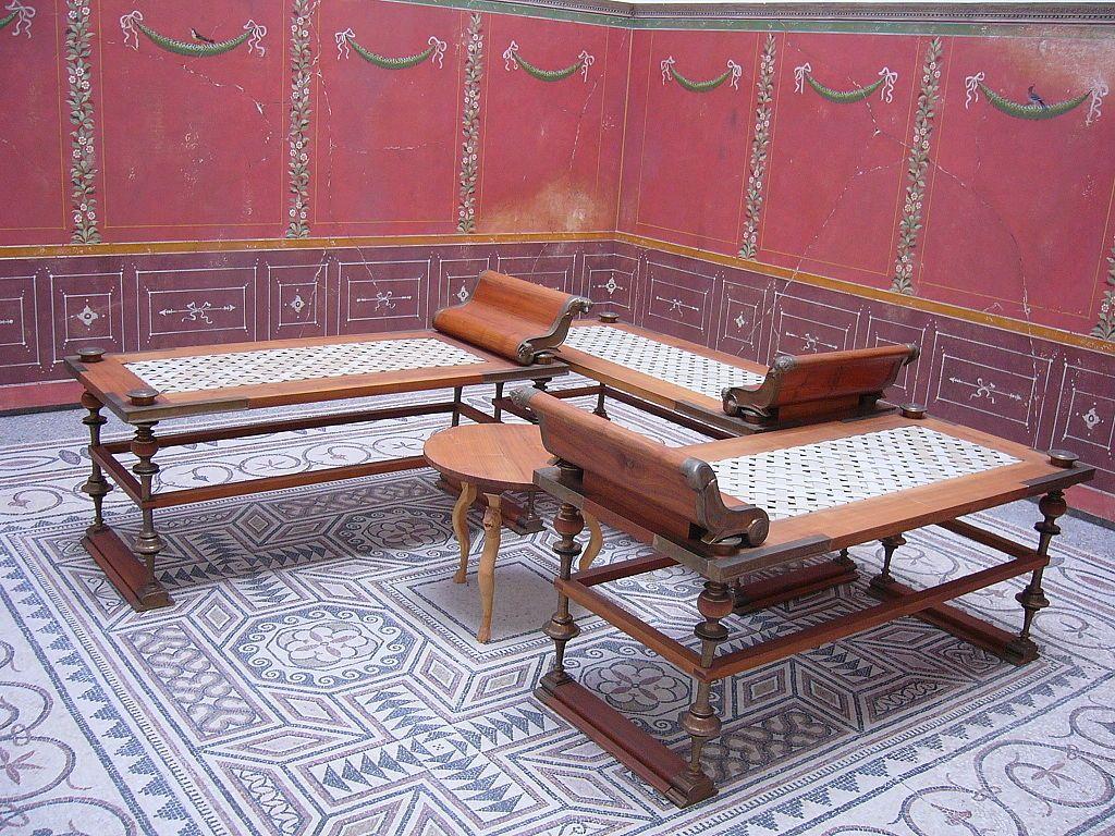 мебель в древнем риме картинки местами перекрашивали