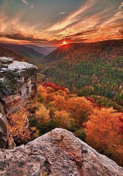 Lindy Point, West Virginia #itravel2000 #DiscoverAmerica  www.facebook.com/loveswish