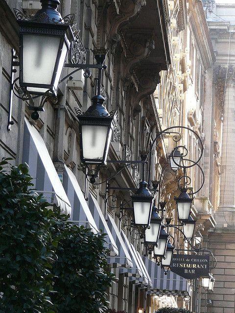 Lanternes de Paris.