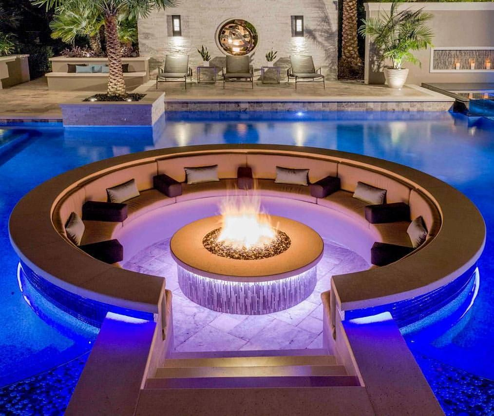 Amazing Pool With Fire Pit In The Center Firepit Pool Pools