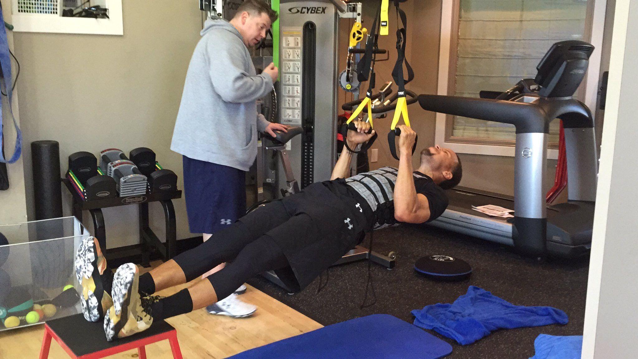 球員抱怨獨自訓練難!訓練師:像Curry這樣有錢,你才能好好練!-Haters-黑特籃球NBA新聞影音圖片分享社區