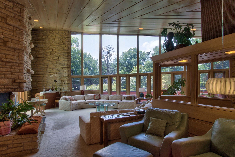 The Style Lounge Austin Minnesota