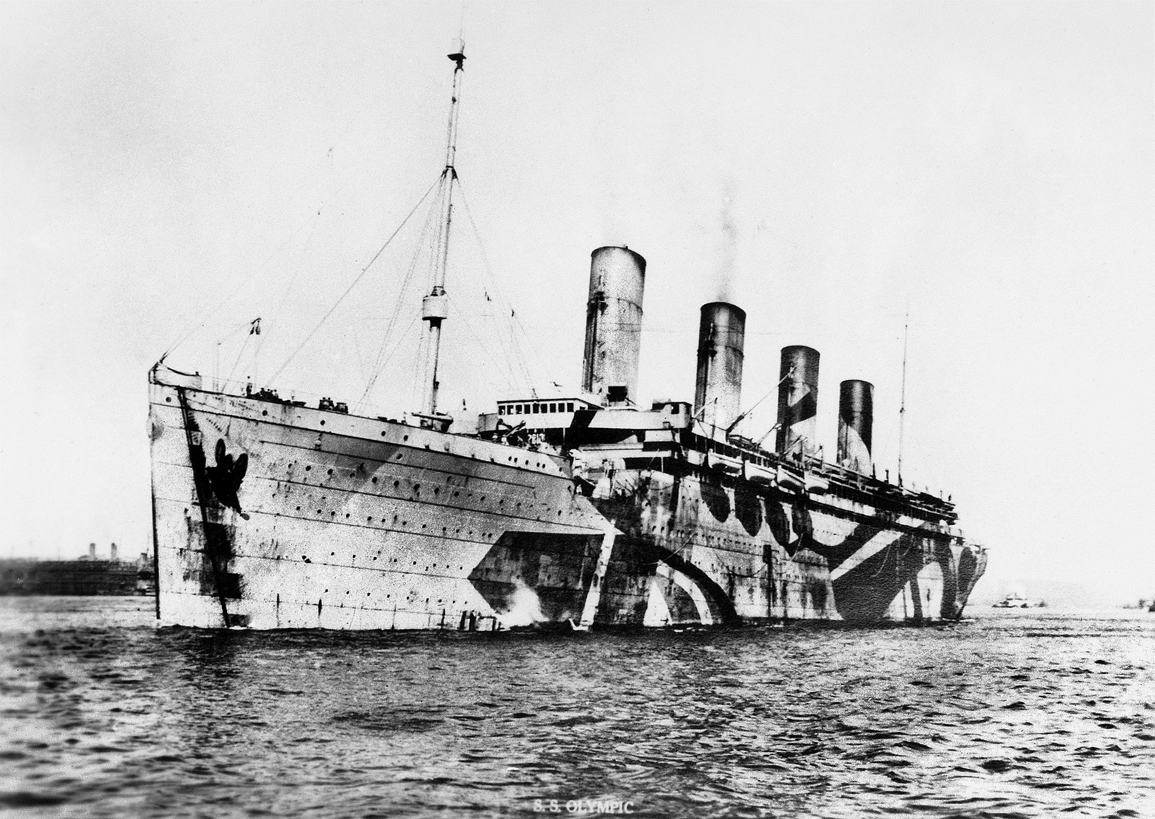 Artist Norman Wilkinson Created Rms Olympic S Dazzle Paint