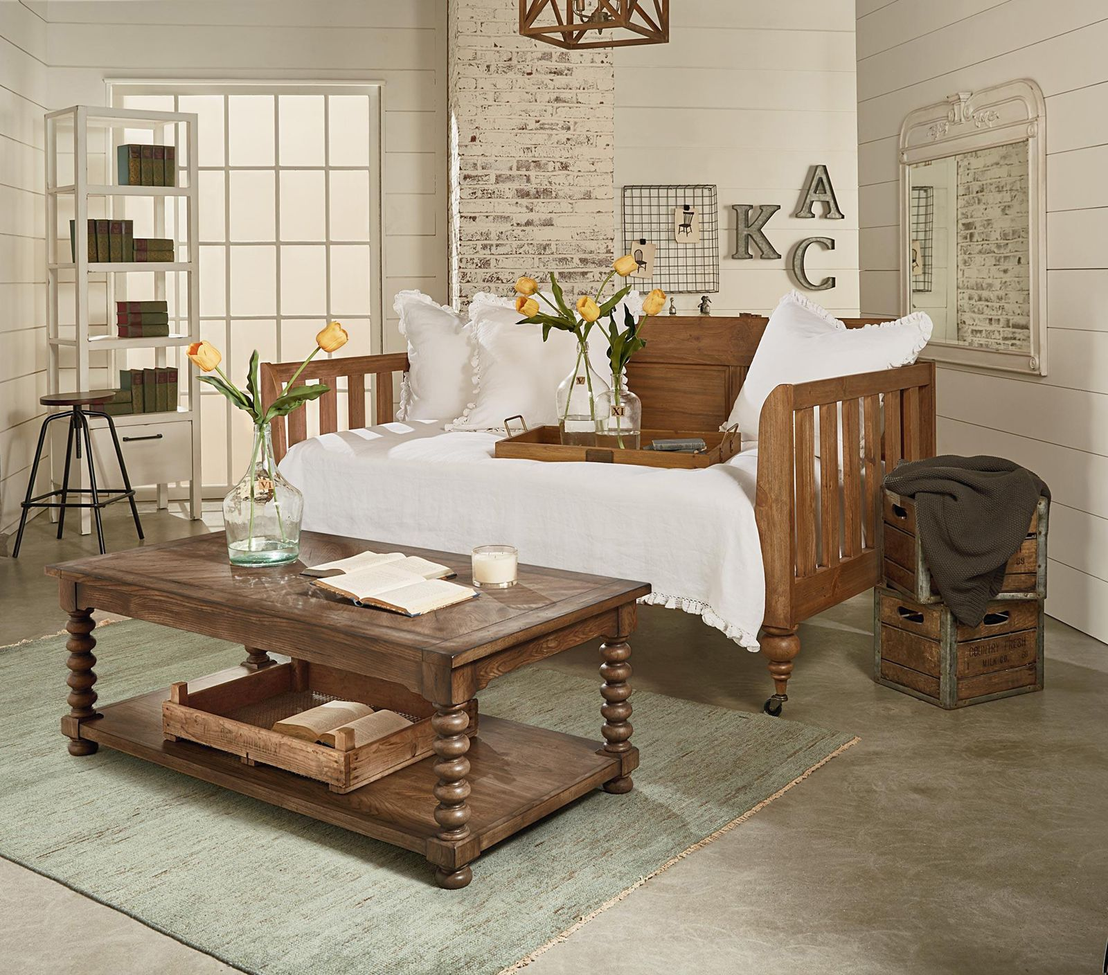 Magnolia Home Bedroom Primitive Elegance Daybed 051509
