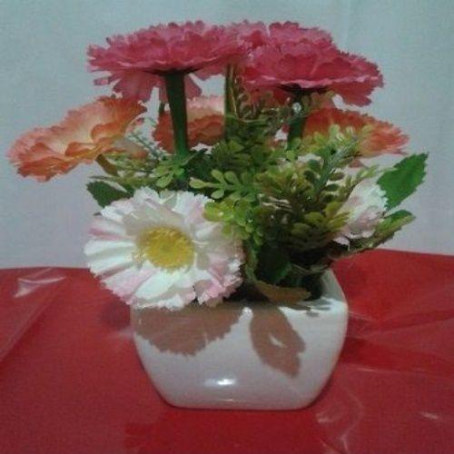 Arranjo Artificial em Vaso de Porcelana