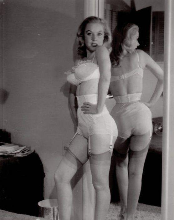 1950s Betty Brosmer