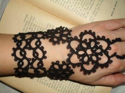 Bracelet noir en dentelle frivolite,mitain noir