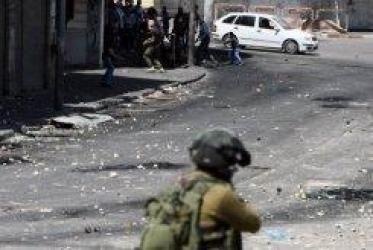 Los palestinos observaron el miércoles una jornada de duelo y manifestaciones en el curso de la cual dos jóvenes murieron en Cisjordania, al día siguiente del controvertido fallecimiento de un preso palestino en una cárcel de alta seguridad israelí.
