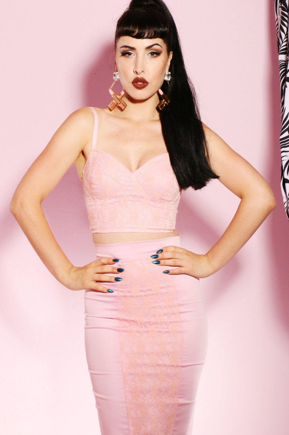 Pink lace crop top by holachicaclothing on Etsy https://www.etsy.com/listing/221432531/pink-lace-crop-top #pinup #Pinup #lpd #pink