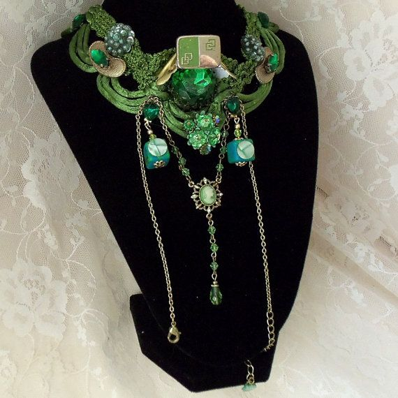 Elegant Emeral Green Necklace, Work of Art, Steampunk, Statement Jewelry, Vintage Couture Upcycle, Neo Victorian