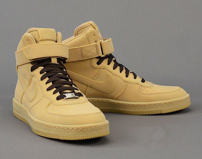 sports shoes f728f baaae Nike Air Force 1 Downtown Hi Gum QS   MATÉRIA estilo