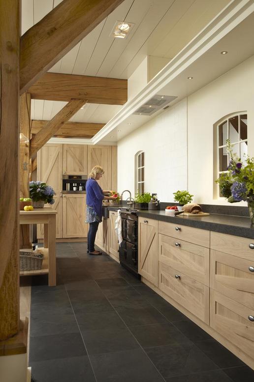 Welp Gerard Hempen Houten Keukens in landelijk blank eiken (met UN-62