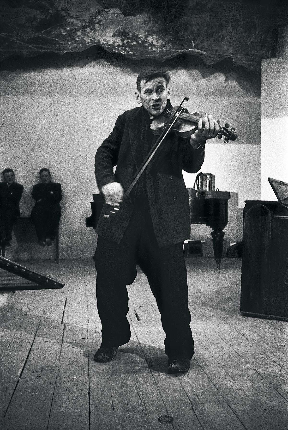 E. Manninen Saarijärven pelimannikilpailussa 1959.