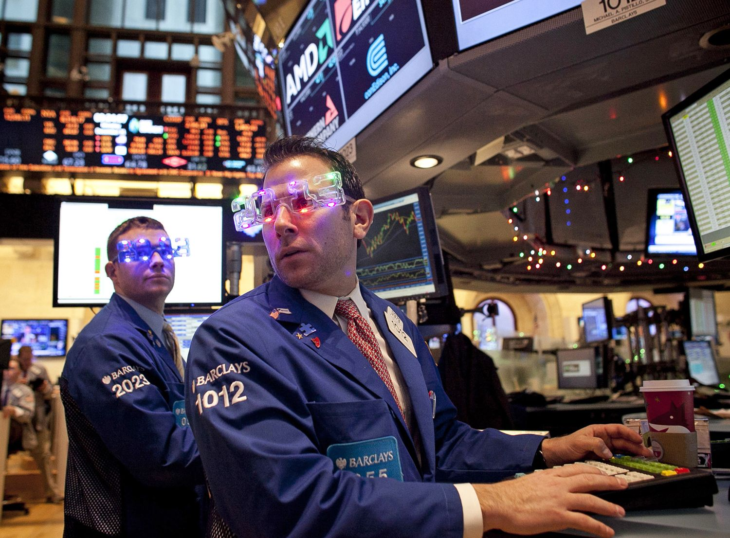 Rose-colored glasses? Maybe, but Wall Street is still nervous about fiscal cliff talks (Photo: Allison Joyce / Getty Images)
