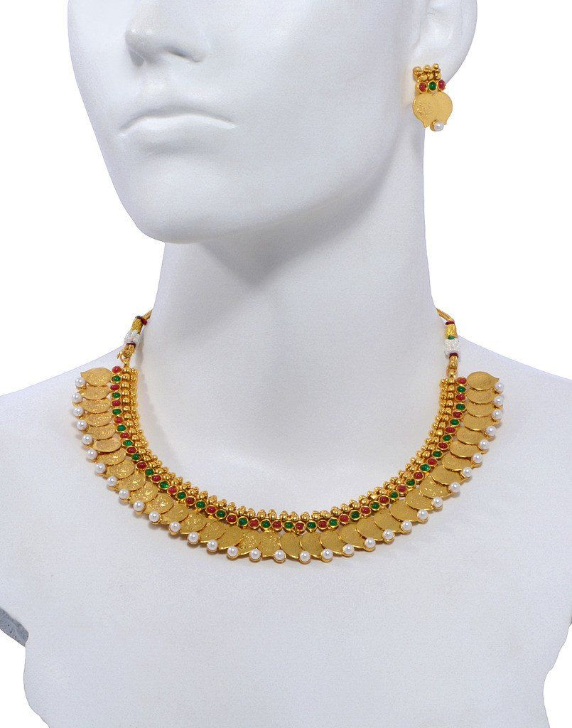 Gold and Indiaus most popular necklace and golden earring Occasion
