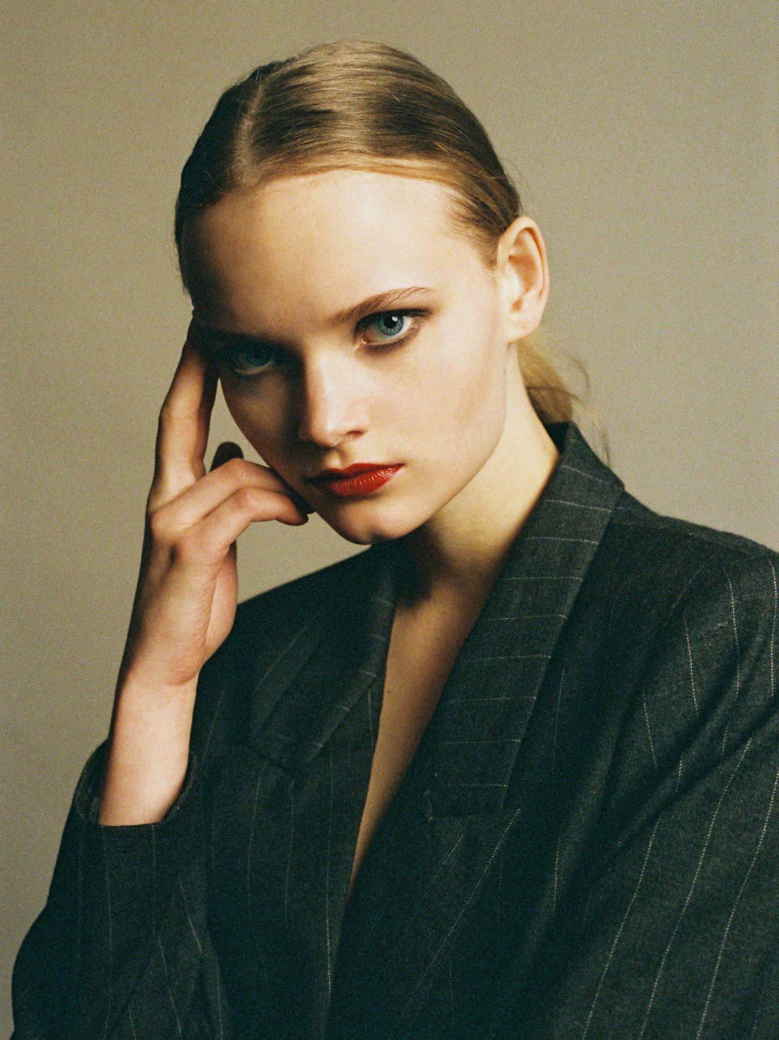 BEAUTY Claire Plekhoff / Makeup artist based in Paris (с