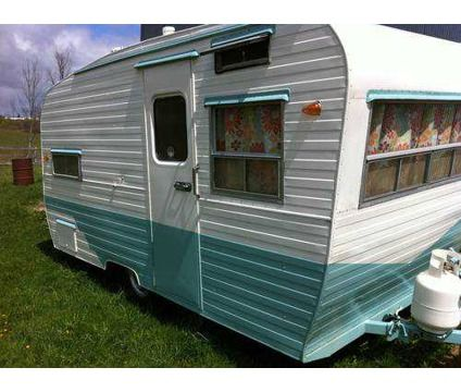 Rvs Motorhomes For Sale In Woodbridge New Jersey Vintage Travel Trailers Travel Trailers For Sale Small Travel Trailers