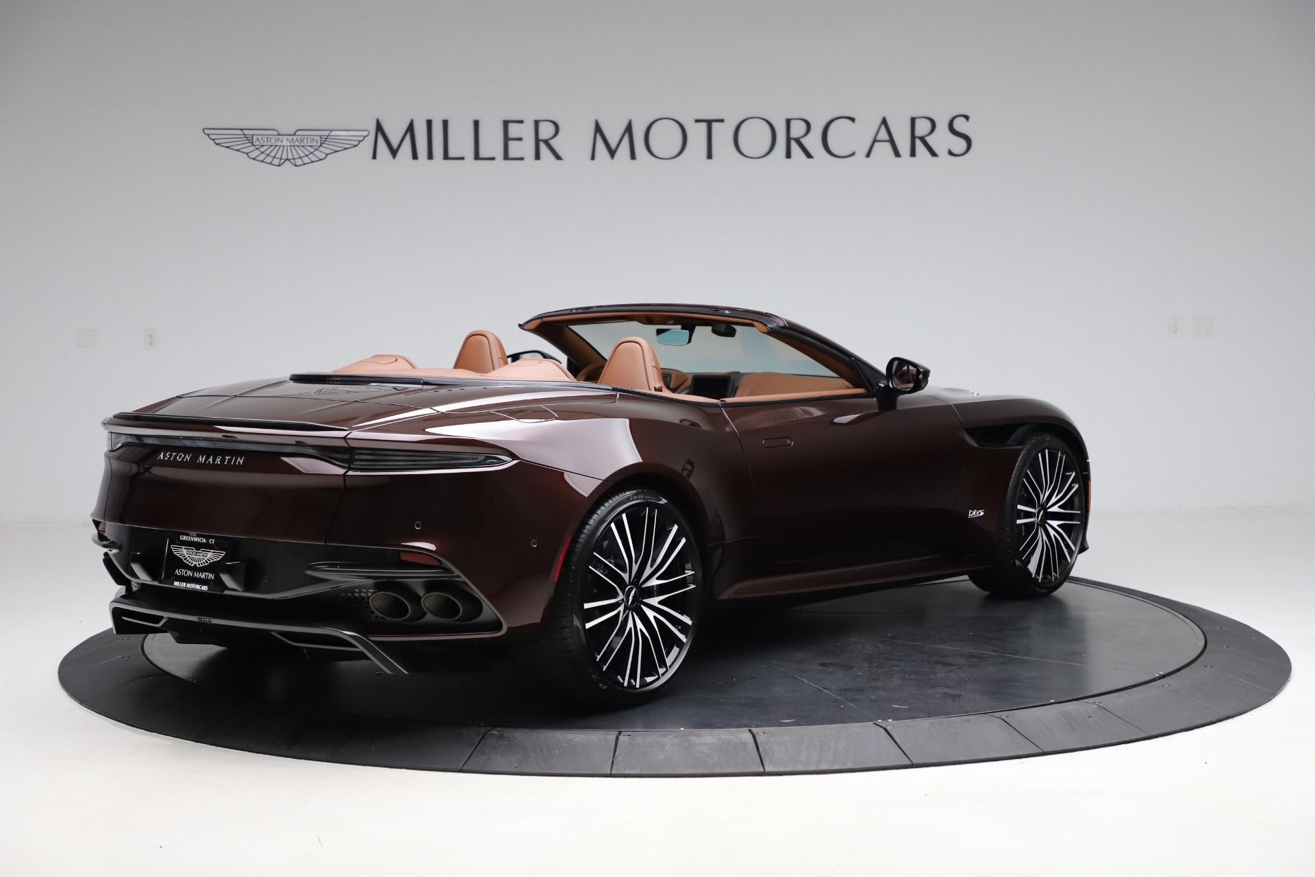 2020 Aston Martin Dbs Superleggera Volante Miller Motorcars United States For Sale On Luxurypulse Aston Martin Dbs Superleggera Aston Martin