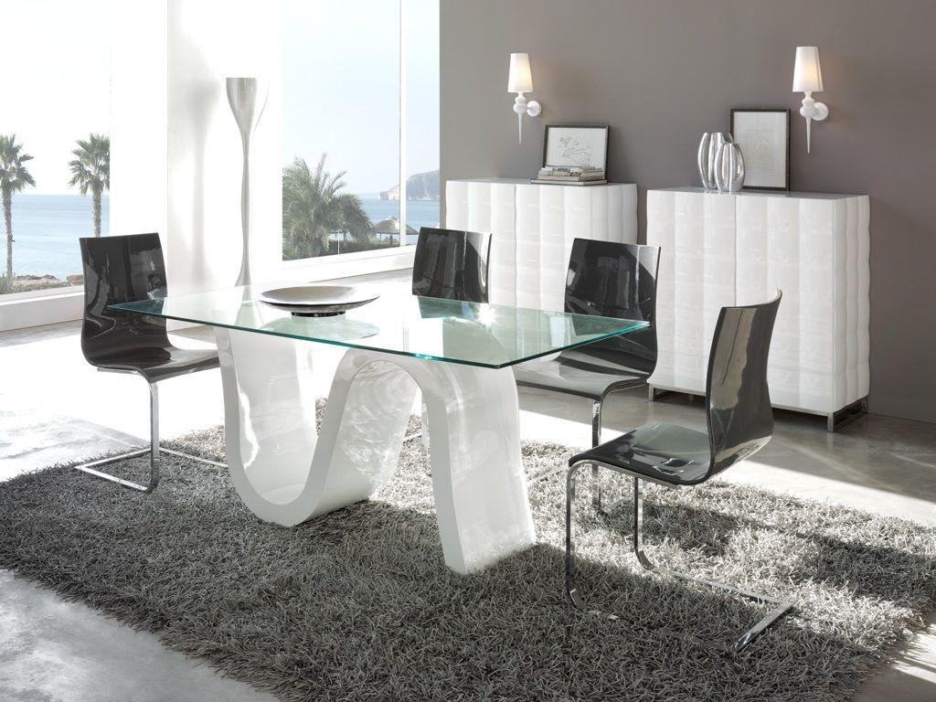 Mesa moderna, com quatro cadeiras. | comedores | Pinterest | Comedor ...