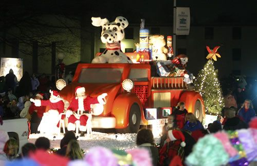 76th Annual Owensboro Christmas Parade!! | You're home in ...