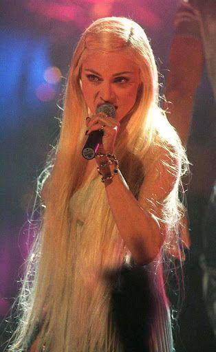 Madonna -- Brit Awards (Bedtime Story)