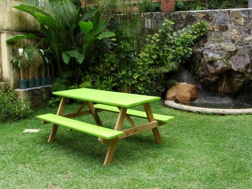 Mesa para jard n http accesorios for Casas rusticas con jardin