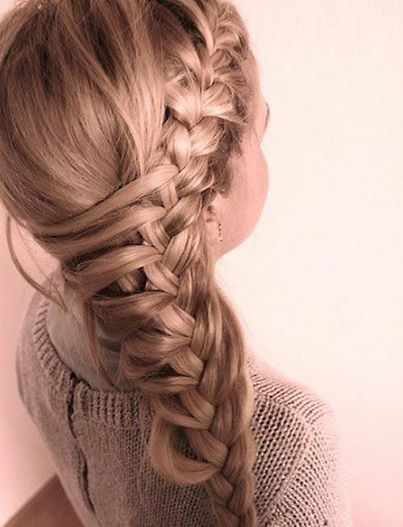 Seitlich franz    sischer Zopf                              Pinterest   Hair style and     What a clever side french braid  Pulling hair over from the far side to add  into the braid